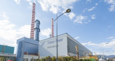 In Gran Bretagna i leader concordano lo stop alle centrali a carbone. In Italia si tratta su Vado Ligure…