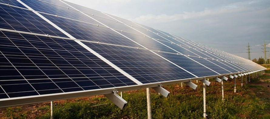 Abbott government extends renewable energy investment ban to solar power