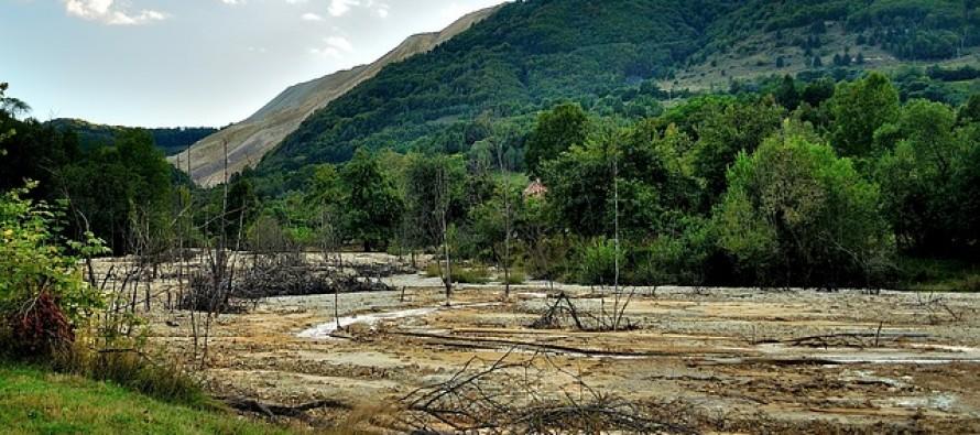 Disastro ambientale in Brasile dopo l'esplosione di due dighe presso una miniera di ferro
