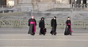 I vescovi: discutere sul referendum. Avvenire si schiera per il sì