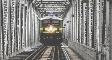 7,000 railways stations in India to go solar