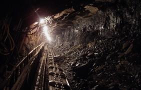 La più grande società mineraria del carbone al mondo chiude 37 miniere