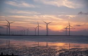 Triplicare l'eolico offshore potrebbe essere la strada per centrare gli obiettivi di Parigi