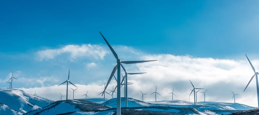 Le rinnovabili avanzano ma il petrolio resiste: le previsioni di Iea al 2040