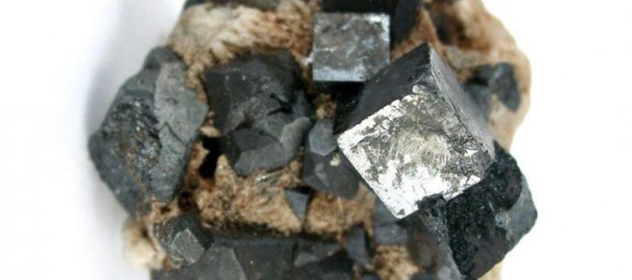 La perovskite, il minerale che potrebbe sostituire il silicio nei pannelli solari del futuro