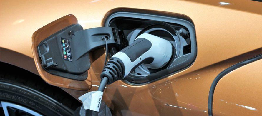 Nel 2030 in Italia circoleranno fino a 7,5 milioni di auto elettriche